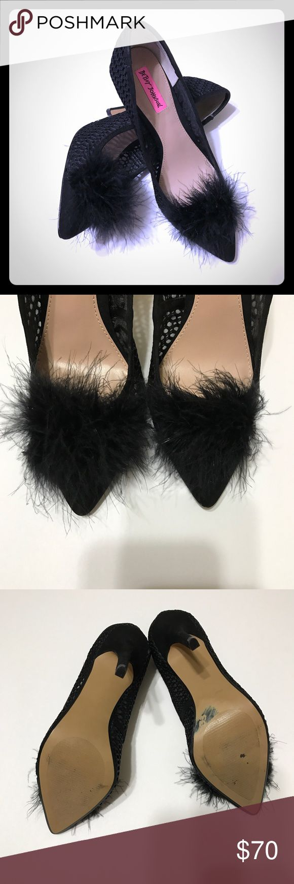 "BETSEY JOHNSON Black Feather Pumps NWOB These BETSEY JOHNSON Black Feather Pumps are too sexy. Has a 4.5"" heel, feather Pom and Peekaboo lattice sides.  New never worn. Only in store wear on heel. NWOB Betsey Johnson Shoes Heels"