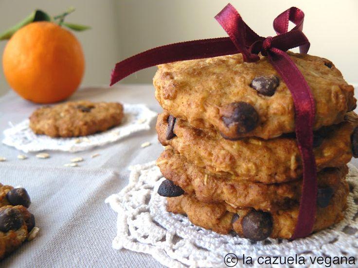 Como aún estamos en temporada de naranjas... ¿ qué mejor que unas deliciosas galletas para desayunar o merendar?   Son muy sanas y natu...