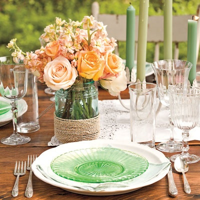 Dinner party table decor. Love the color combo