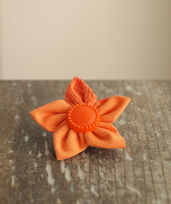 Flower Brooch. Fabric. Kanzashi. by IvelleTheHappyCow on Etsy, €5.00