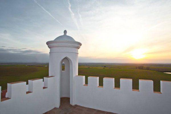 Torre de Palma Wine Hotel. Monforte, Alentejo, Portugal. #alentejo #visitalentejo #portugal #visitportugal #travel #sleep #wheretosleep #wine #hotel #tourism #torredepalma #monforte