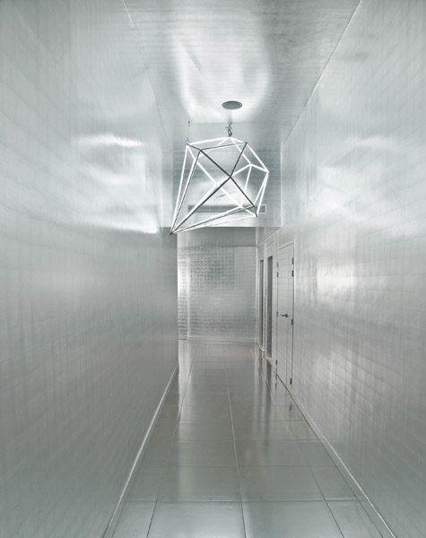 マルジェラがデザインした純白が魅力のホテルに初潜入!