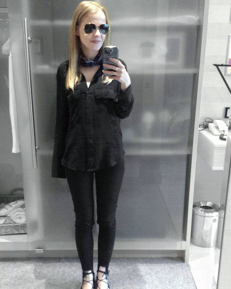 """140 Likes, 2 Comments - Gabriella Buzas (@epicstreetstyle) on Instagram: """"Nearly all black 🎬 . ."""" minimal chic outfit ootd outfitinspo inspo allblack utility shirt skinny jeans lace-up shoes ray-ban aviators bandana scarf"""