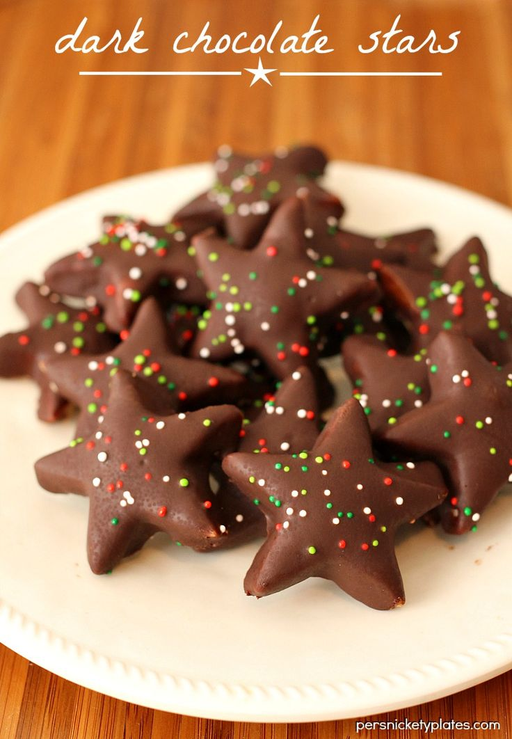 Dark Chocolate Shortbread Stars - 4 ingredients ! The perfect roll-out cookie » Persnickety Plates