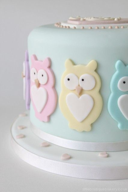This is such a sweet cake, but doesn't really fit in to the other ideas I have for decorations. little boutique bakery - baby - baby shower cake - owl cake