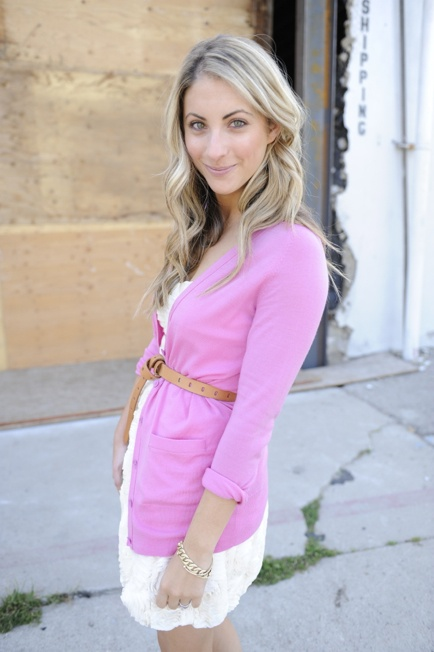 Cute outfit!: Pink Sweater, Summer Dresses, Belts Cardigans, Date Outfit, Kelly Wearstler, Pink Cardigans, Leather Belts, Hair Color, Lace Dresses