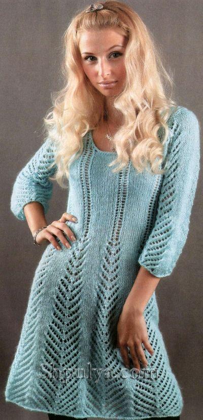 Бирюзовое ажурное платье, вязаное спицами