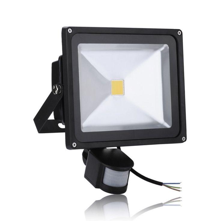 PROIETTORE A LED CON SENSORE PER ESTERNO 230V WATT. 30 2400 LUMEN http://www.decariashop.it/home/13605-proiettore-a-led-con-sensore-per-esterno-230v-watt-30-2400-lumen.html