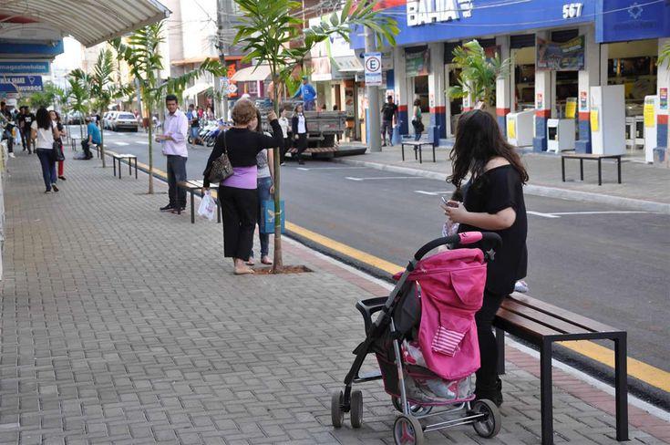 Comércio de Botucatu estará fechado segunda e terça-feira de Carnaval; Shopping abre durante o feriado -     O Sincomércio, Sindicato do comercio varejista informou nesta quinta-feira, 23, que o comercio de Botucatu estará fechado na próxima segunda-feira, dia 27 e terça-feira, dia 28, feriado de carnaval. As lojas voltam a abrir na quarta-feira, dia 01 de março.  O Shopping Botucatu - http://acontecebotucatu.com.br/geral/comercio-de-botucatu-estara-fechad