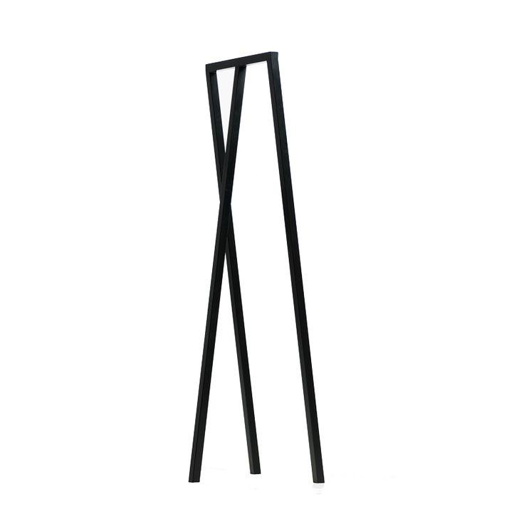 HAY Portemanteau LOOP STAND HALL disponible chez Silvera-Eshop, spécialiste du mobilier design.