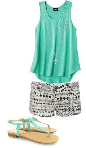 Printed shorts casual outfit. Like the combination between tribal b&w print and turquoise. Also, it looks dressy enough for summer and comfy