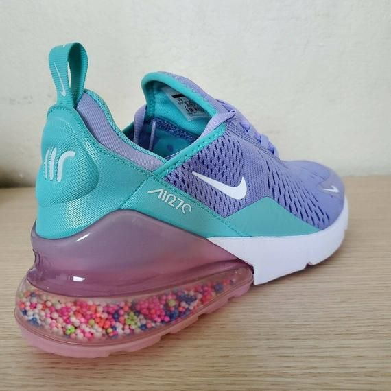 curva Agricultura Cantidad de dinero  Pin by raeleigh barker on Nikes | Nike brand, Nike air max, Nike