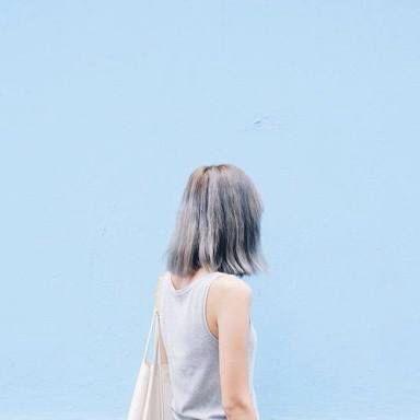 pastel blues | blue wall | dusty blue shot hair