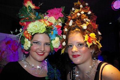 schm-art carnaval,- fantasie pruiken sleeuwijk