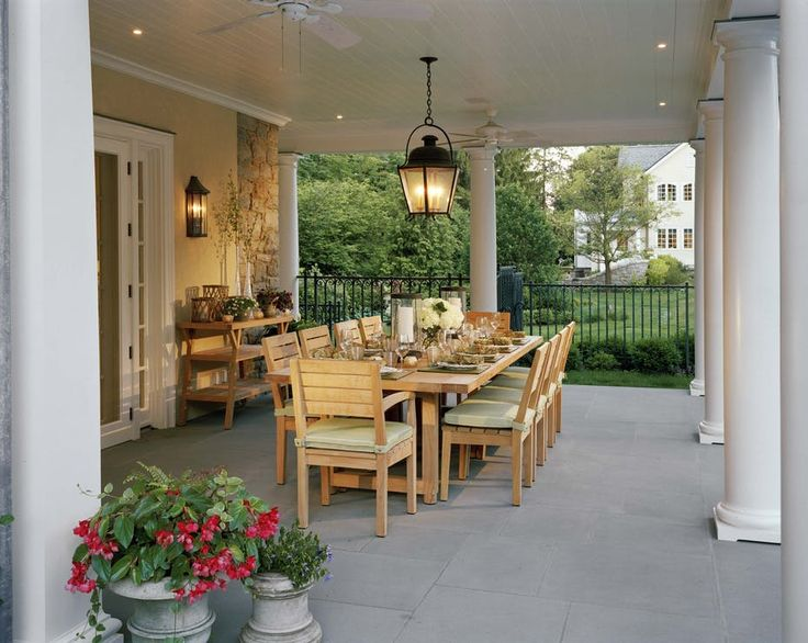 Westchester Colonial Stucco Indoor/Outdoor Dining