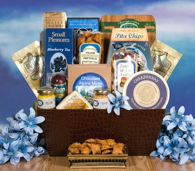 137 best Gift baskets images on Pinterest | Gift baskets, Basket ...