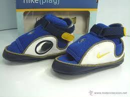 Resultado de imagen para sandalias nike para niños