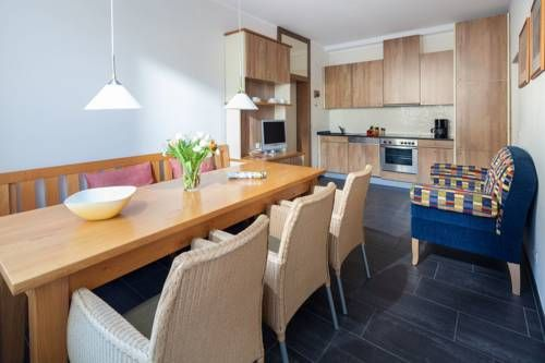 Apartment am Strand Norderney Apartment am Strand offers accommodation in Norderney. The property boasts views of the city and is 300 metres from Casino Norderney.  The unit is fitted with a kitchen. A TV is offered. There is a private bathroom with a bath or shower.