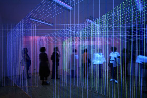 String Uv Lights : Labyrinth, Jeongmoon Choi 35 sqm space, threads, black lights Contemporary ART? probably ...