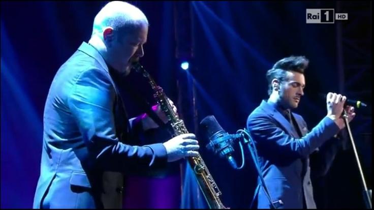 Marco Mengoni: Com'è bello sentirlo cantare!