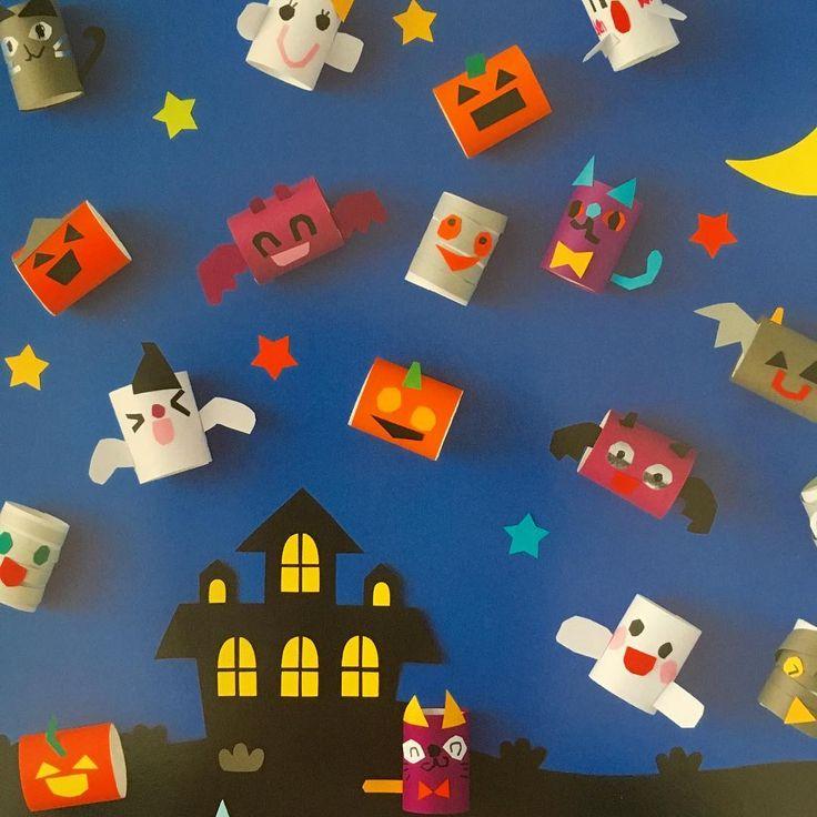ハロウィンの保育室壁面飾り * ピコロ10月号(学研)でハロウィンのオバケちゃんたちの壁面飾りを製作させていただきました(o^^o)子どもが作ったかわいいオバケが元気いっぱい飛びまわってます♪ * * #ハロウィン #halloween #おばけ #オバケ #壁面 #壁面製作 #製作 #画用紙 #色画用紙 #幼稚園 #保育園 #保育 #保育室 #保育雑誌 #ピコロ #子ども #papercraft #nurseryschool #kindergarten #preschool #イラスト #illust #illustration #illustrator #イシグロフミカ