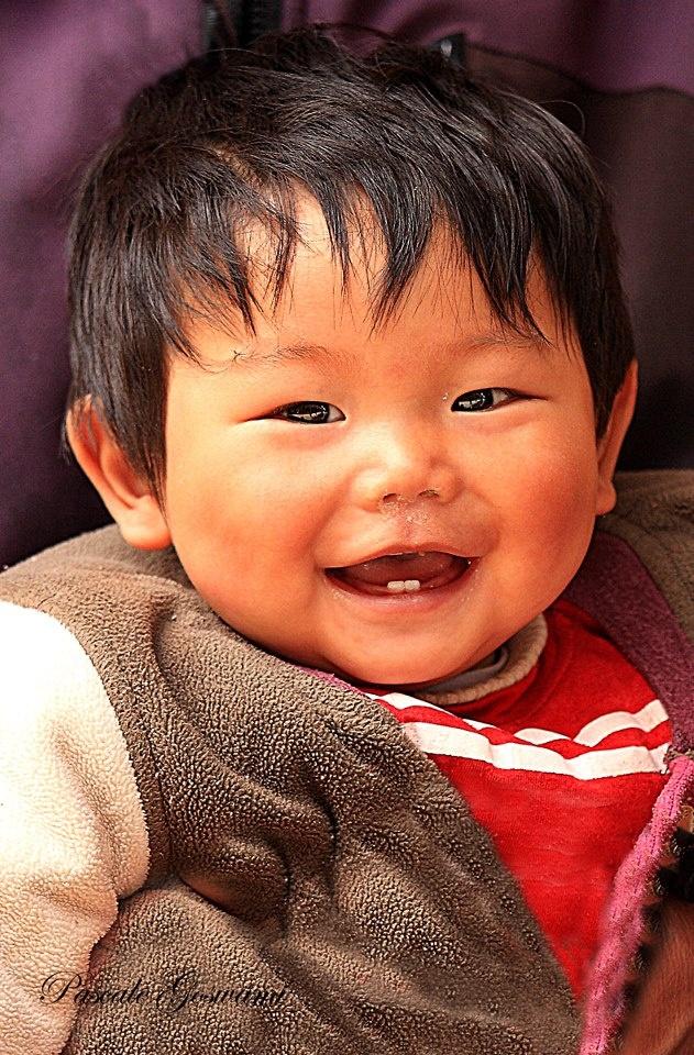 I love his smile:)
