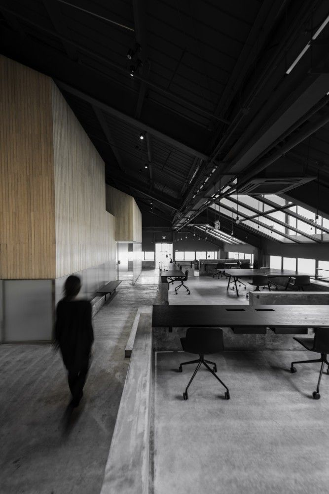 Flamingo Shanghai Office / Neri  Hu Design and Research Office