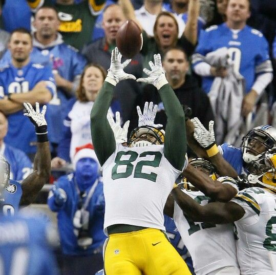 What a night! Green Bay Packers wins division matchup against THE Detroit Lions on a Hail Mary Touchdown.