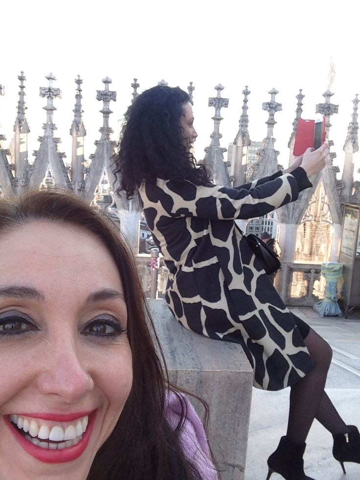 Milan Duomo English / Russian selfies: 2 ladies working in art and interior design have a chance meeting and spend a wonderful afternoon together :-)