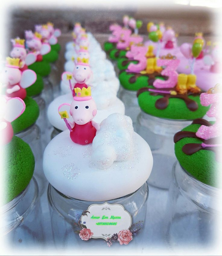 Peppa pig glass potes made out of cold porcelain #coldporcelain#Amoremmassa#handmade#glorytoGodAlways#