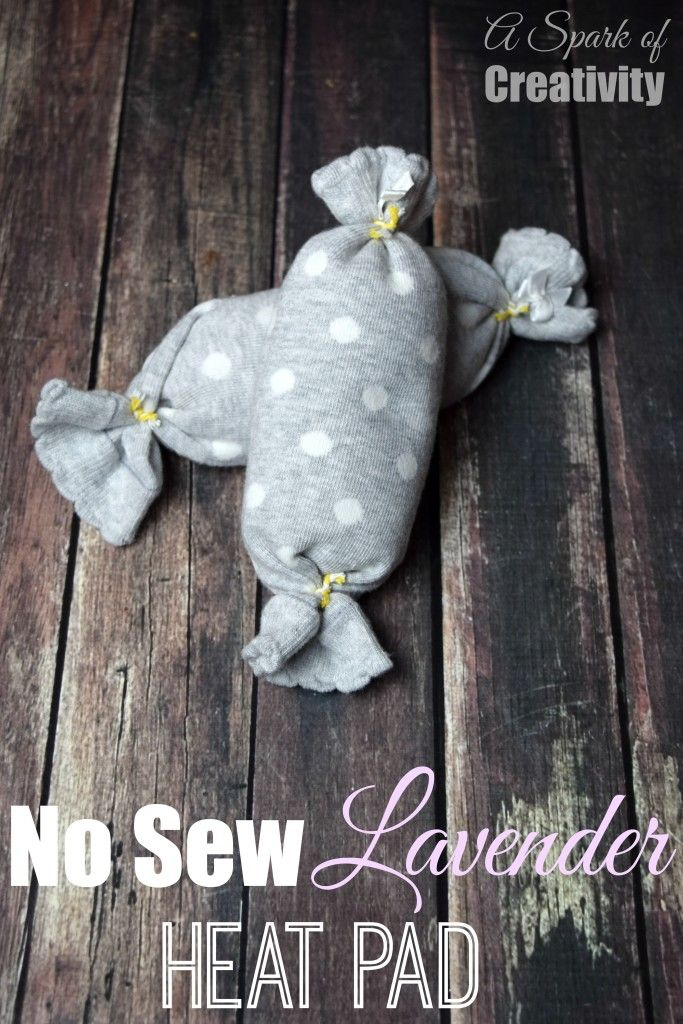 No Sew Lavender Heat Pad using essential oils and rice! Perfect for all those aches and pains! - A Spark of Creativity