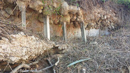 Restes del túnel d'evacuació del niu de metralladores de la Cieneta, a Alcanar Platja