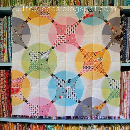 """""""drunkard's path transformed""""  Quilt design that would look good with MCM design."""