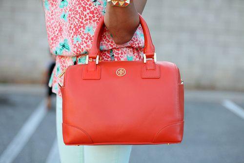 love this purse...shocking i know