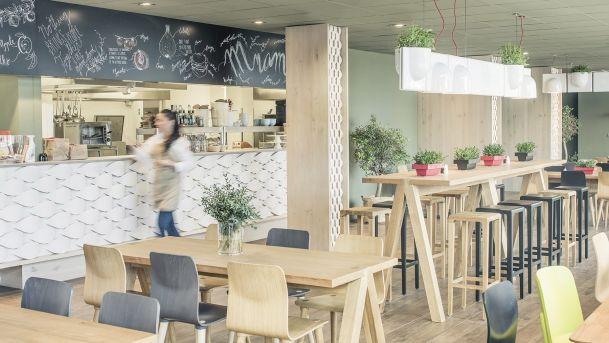Red CAFE: Královna kantýn   Insidecor - Design jako životní styl