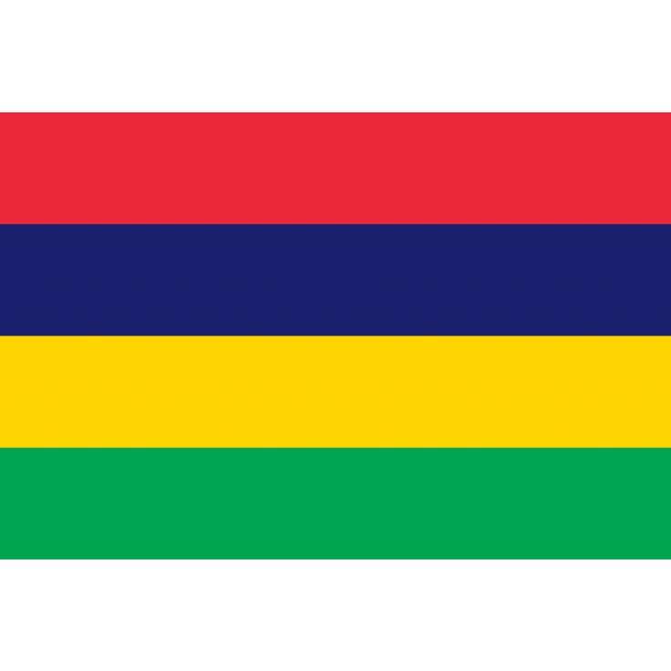 Tafelvlaggen Mauritius 10x15cm   Mauritiaanse tafelvlag De vlag van Mauritius bestaat uit vier gelijke horizontale banen in de kleuren rood, blauw, geel en groen. Rood staat voor het bloed dat in de onafhankelijkheidsstrijd is vergoten, hoewel er nooit sprake was van een strijd. Blauw symboliseert de Indische Oceaan, die de eilandstaat omringt. Geel staat voor het 'licht van de onafhankelijkheid, dat over Mauritius schijnt'. Groen vertegenwoordigt de natuurlijke rijkdommen van het land.