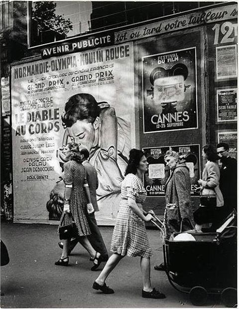 Sur les Grands Boulevards, Paris, 1946 by Brassaï