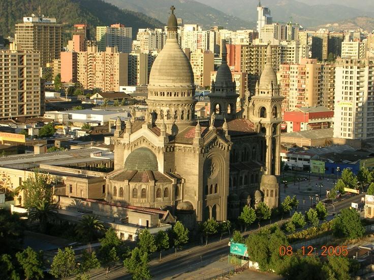 Iglesia de los Sacramentinos en el centro de Santiago.