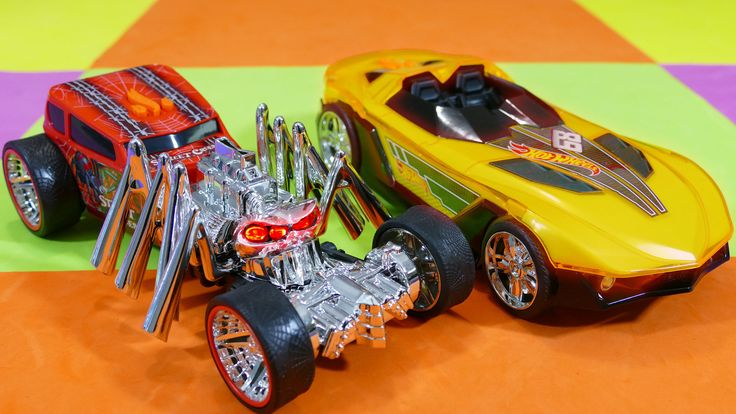 BIG Hot Wheels Street Creeper and Hot Wheels Yur So Fast Light and Sound...