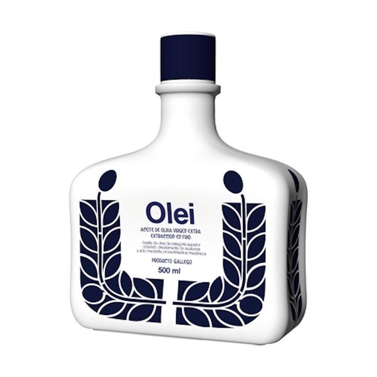Para coleccionistas. El Aceite de oliva gallego Oleí se engalana con una botella de cerámica de la firma Sargadelos