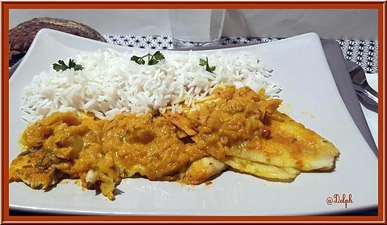 La meilleure recette de Filets de Limande au Curry! L'essayer, c'est l'adopter! 5.0/5 (5 votes), 7 Commentaires. Ingrédients: 2 oignons 1 gousse d'ail 1 c à s d'huile d'olive 8 filets de Limande 100g de fromage blanc à 0% 30g de vin blanc 1 c à s soupe de curry quelque baies roses Persil sel
