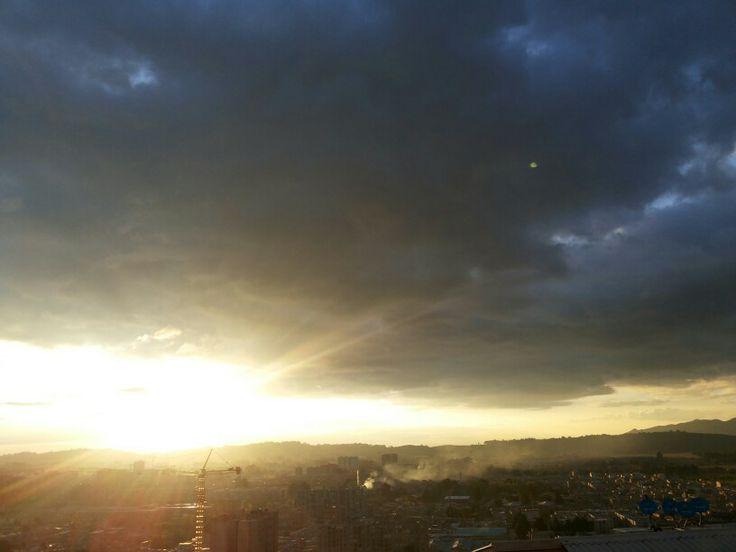 Un atardecer Soleado al norte de mi hermosa Bogotá.