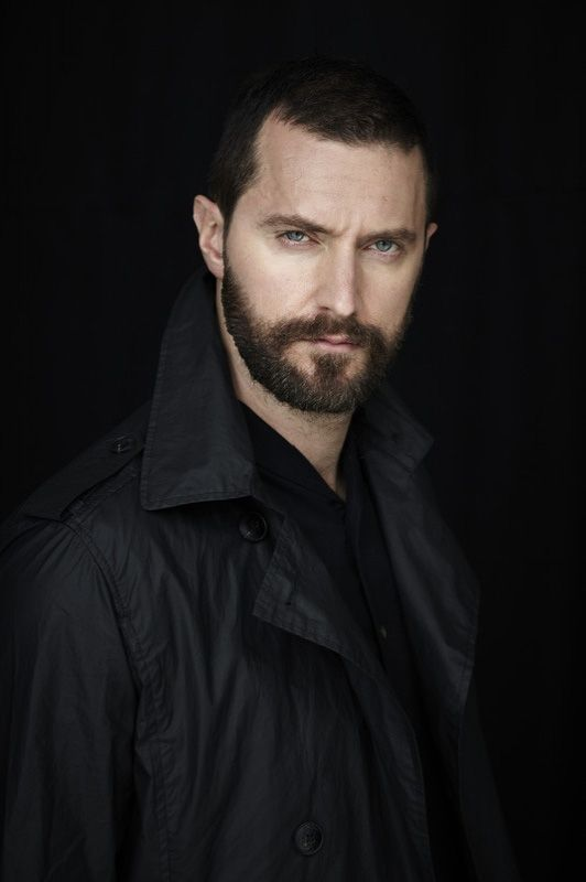 It should be illegal to be this attractive!......... You know what? Forget that! I love Richard!