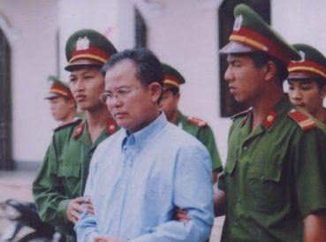 Nguyen Cong Chinh, un pastor vietnamita, ha sido obligado a comer alimentos mezclados con vidrios rotos y plomo, denunció el sitio Persecution.org. Su agua
