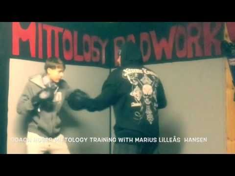 Coach Roger Mittology padwork/MayWeather style With Marius Lilleås Hansen. - YouTube