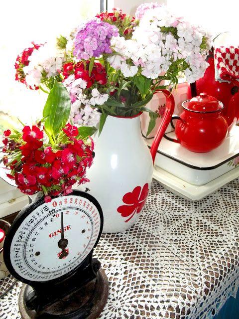 vintage kitchen, old stuff, enamel, old enamleware