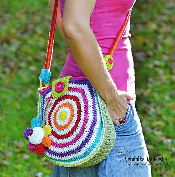Big rainbow crossbody bag :-)  *This is a crochet pattern and not the finished item*  This pattern is written in standard American (US) terms, in English language, with step-by-step instruction and plenty pictures for succesfull completing of your work. Pattern is available for instant download. Once payment is confirmed, you will receive a link to download the pattern immediately. **************************************************** Suggested material: Yarn Weight: Worsted / 10 ply (9 wpi)…