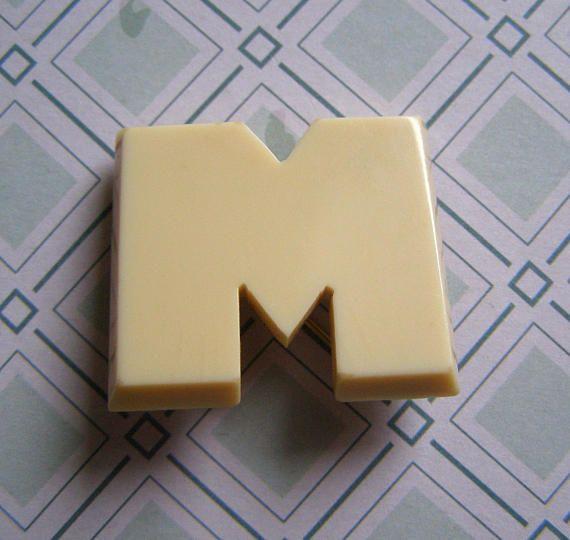 Broche Initiale M/Broche Vintage /Pin
