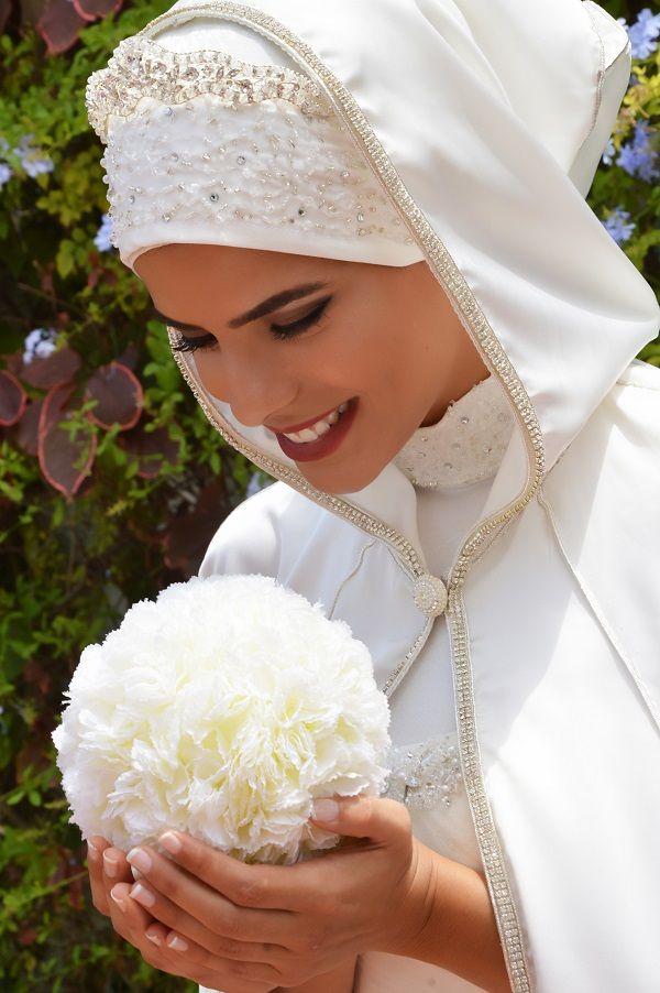 Landaline.com - Robe de mariée adaptée au gout des mariée Hijab! Check us out!