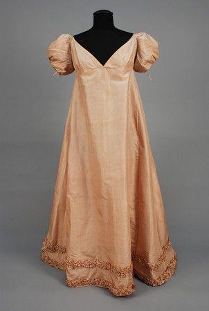 SPANISH QUEEN'S STRIPED SILK DRESS, c. 1810.